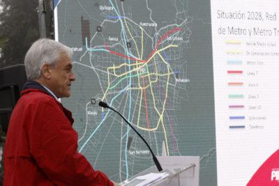 """""""Transportes Tercer Milenio"""": el plan de Sebastián Piñera para terminar con el Transantiago en 10 años"""