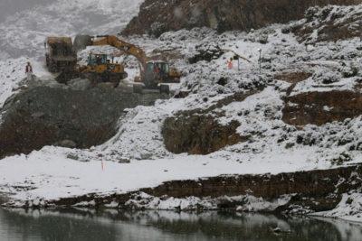 Complejo panorama: refugio de mineros atrapados está inundado y con lodo