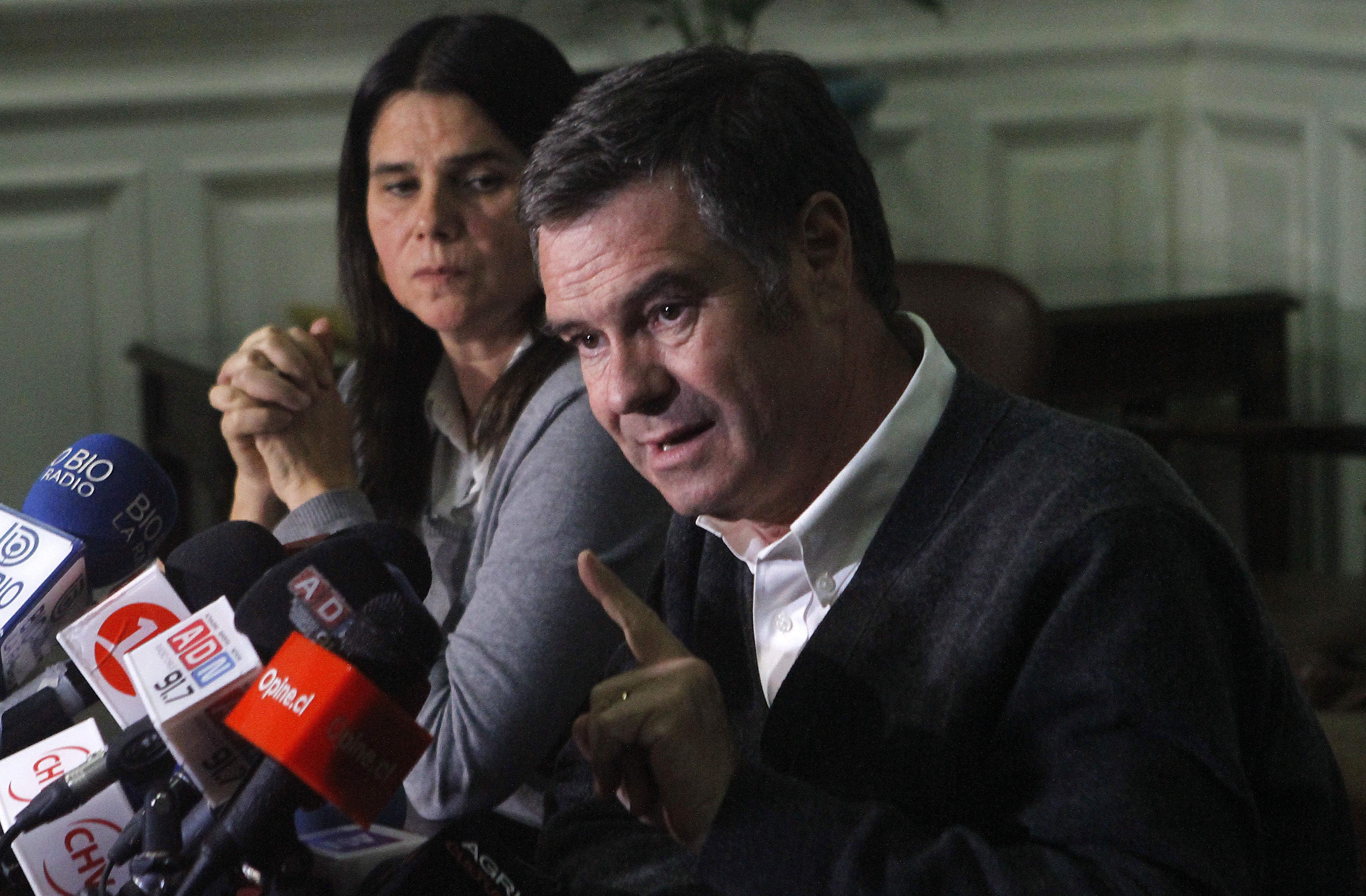 """De película: Ossandón ventila los detalles de la supuesta """"operación del comando de Piñera"""" para bajarlo"""