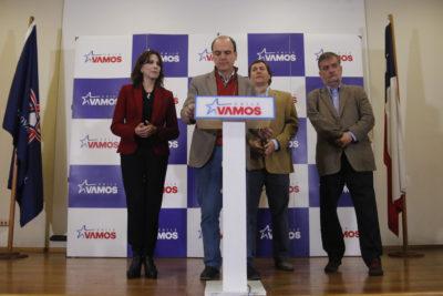 """Chile Vamos llama a """"no dormir la siesta"""" en respuesta Guillier"""