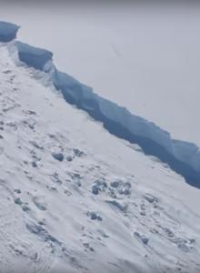 VIDEO   Alerta ambiental mundial por grieta de iceberg en la Antártica chilena
