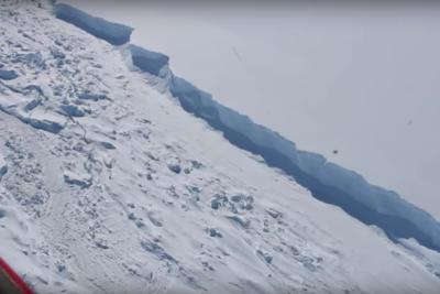 VIDEO | Alerta ambiental mundial por grieta de iceberg en la Antártica chilena