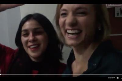 VIDEO |Carolina Goic y Karol Cariola dejan atrás polémica DC-PC con incómodo abrazo