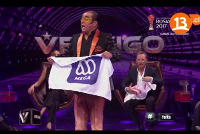 VIDEO |No fue broma: Alcaíno funa a Mega y envía mensaje a Canal 13 tras negociación colectiva
