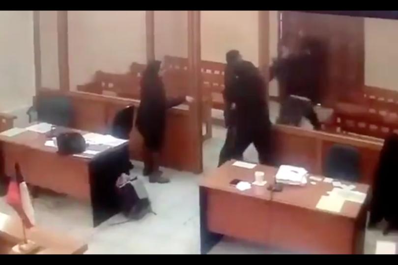 VIDEO |Insólito: fiscal evitó la fuga de dos imputados tras audiencia en Lautaro