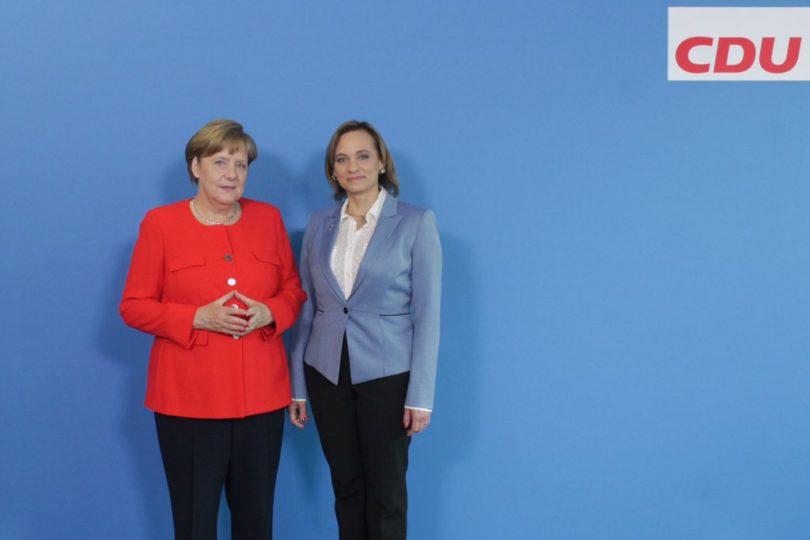 """Carolina Goic se reúne con Angela Merkel: """"Hemos recibido de parte de ella todo el apoyo"""""""