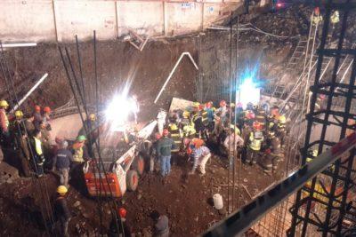 VIDEO | Trabajadores atrapados tras derrumbe de edificio en construcción en San Miguel