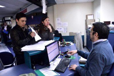 """""""Santiago atiende de noche"""": Alessandri extienden horario de funcionamiento de oficinas municipales"""