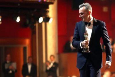 El laureado Daniel Day-Lewis sorprende a todos y anuncia que deja la actuación