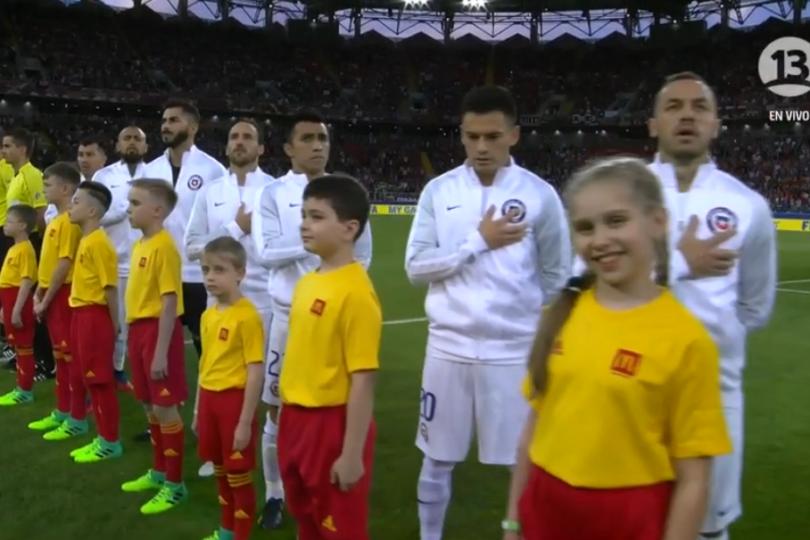 VIDEO | Conmovedor: el himno chileno que enmudeció a la voz oficial del estadio