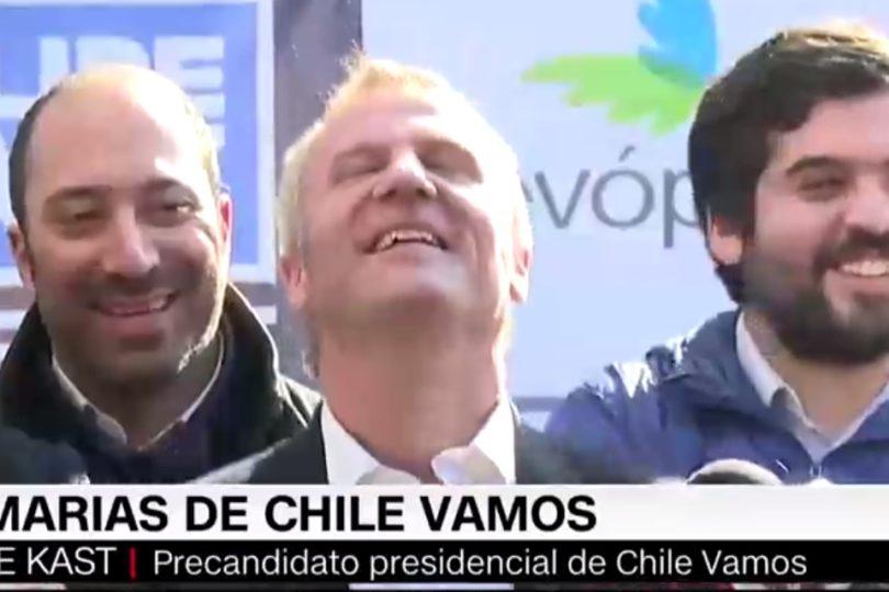 VIDEO | Chascarro que sólo a Felipe Kast le podía pasar en plena conferencia de prensa