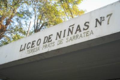 """""""Rompe, paga"""": Alessandri pide millonaria indemnización a apoderados por daños en el Liceo 7"""