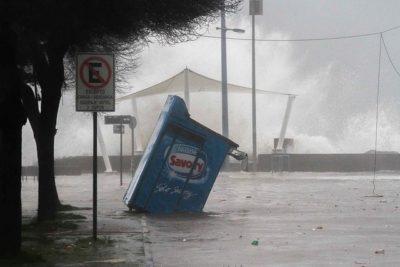 VIDEOS | Vientos y marejadas causan estragos en varias ciudades del país
