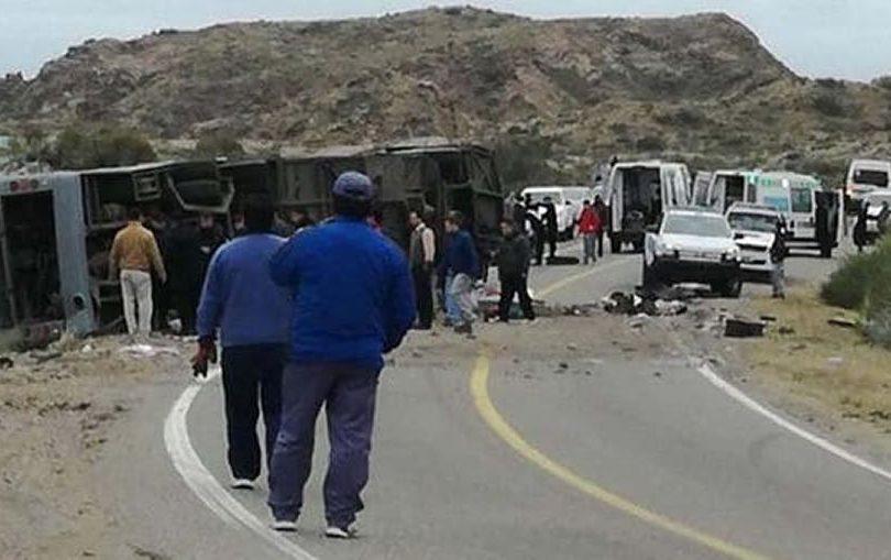 Argentina: volcamiento de bus que transportaba a escolares deja 15 fallecidos en Mendoza
