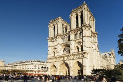 """Agresor de Notre Dame antes de atacar a policía francesa: """"Esto es por Siria"""""""
