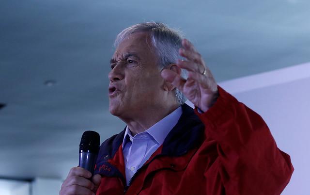 """Sebastián Piñera aclara su """"teoría doméstica"""" del espionaje en la Sofofa"""
