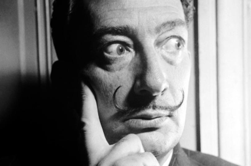 Justicia española ordena exhumar restos de Salvador Dalí por demanda de paternidad