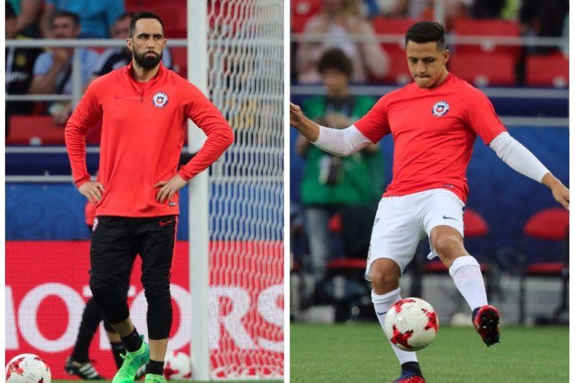 FOTO | Captan el rostro de Bravo y Alexis mirando el partido desde la banca