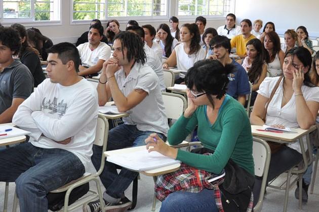 Durísimo análisis de experto argentino a la educación trasandina y su comparación con Chile