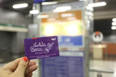 La tarjeta Bip de Violeta Parra que hizo estallar a Luis Larraín