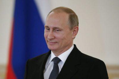"""La confesión de Putin a Oliver Stone: """"No soy una mujer, así que no tengo malos días"""""""