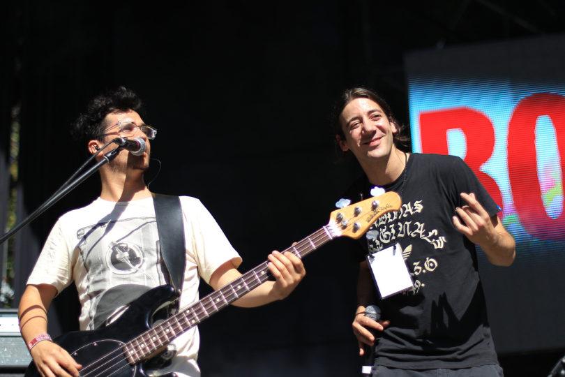 Bajista de Los Tetas pospone lanzamiento de disco solista