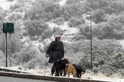 Metereología pronostica hasta 15 centímetros de nieve en Santiago este sábado