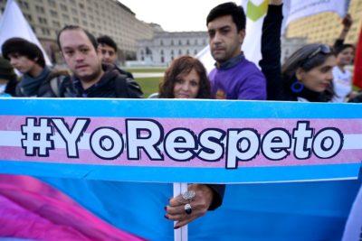 Joven trans denuncia que fue obligado a maquillarse y vestirse como mujer en colegio de Coquimbo