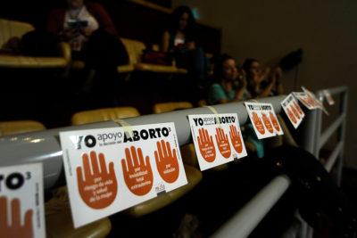 Aborto tres causales: comisión extiende objeción de conciencia a todo el equipo médico