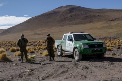 Carabineros fueron detenidos en la frontera con Bolivia