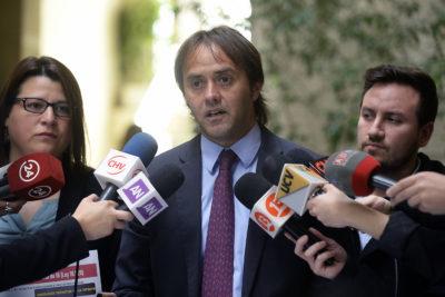 Diputado Godoy renuncia a Amplitud y compara gestión de Lily Pérez con la de Carlos Larraín