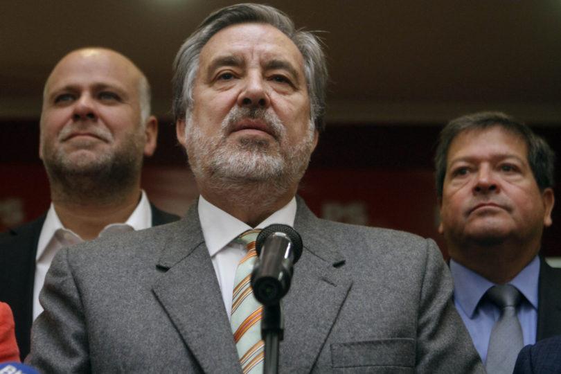 """Velasco y baja convocatoria de firmas por Guillier: """"No es un problema de los notarios, es nuestro"""""""