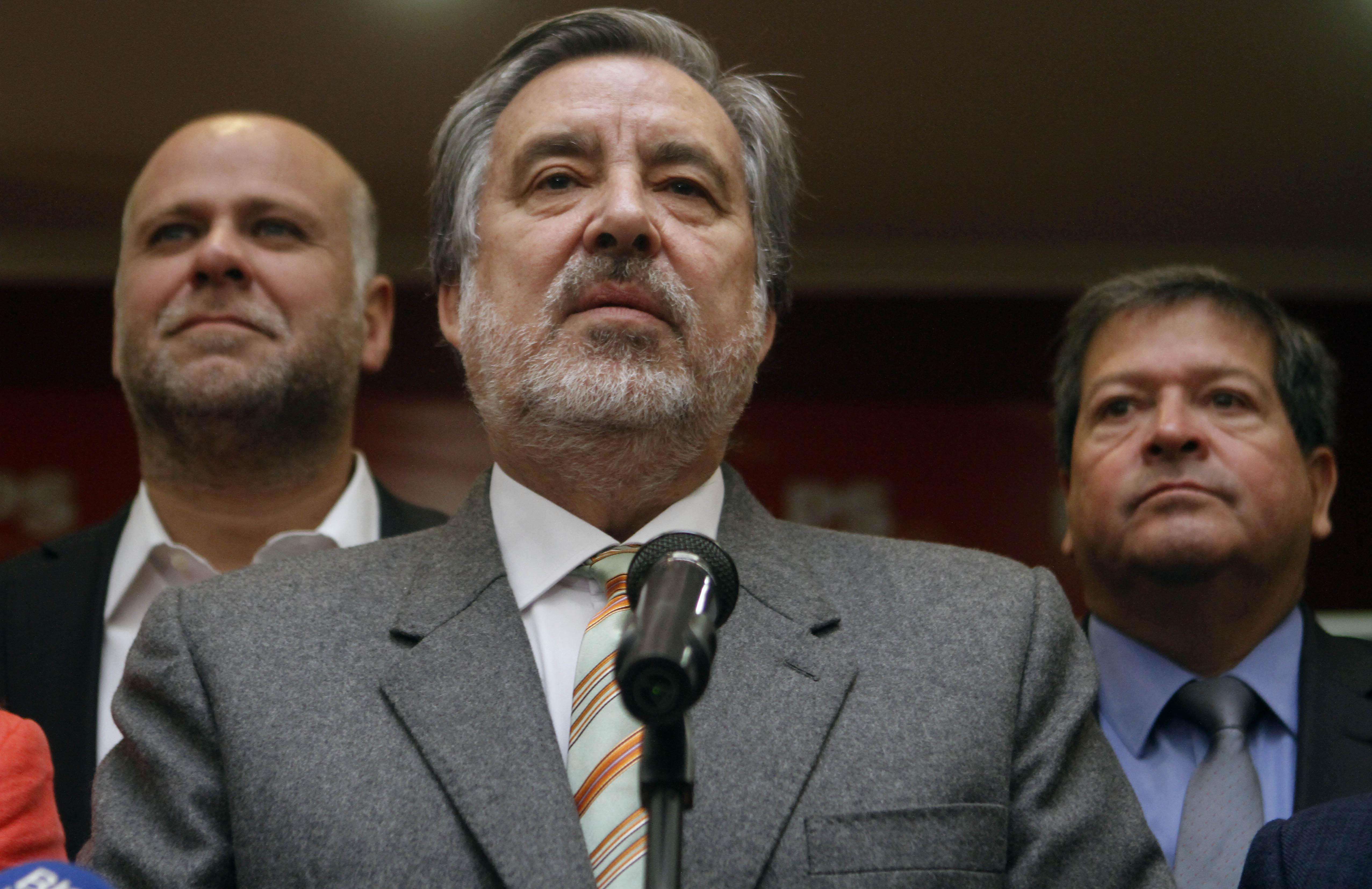 """""""Velasco y baja convocatoria de firmas por Guillier:"""