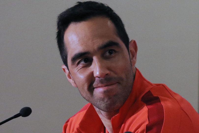 De capitán a ex Nº1: el mensaje que le dedicó Claudio Bravo a Marcelo Ríos tras triunfo ante Portugal