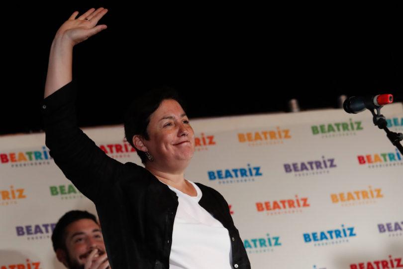Encuesta Cadem: Beatriz Sánchez sigue celebrando y logra superar a Alejandro Guillier
