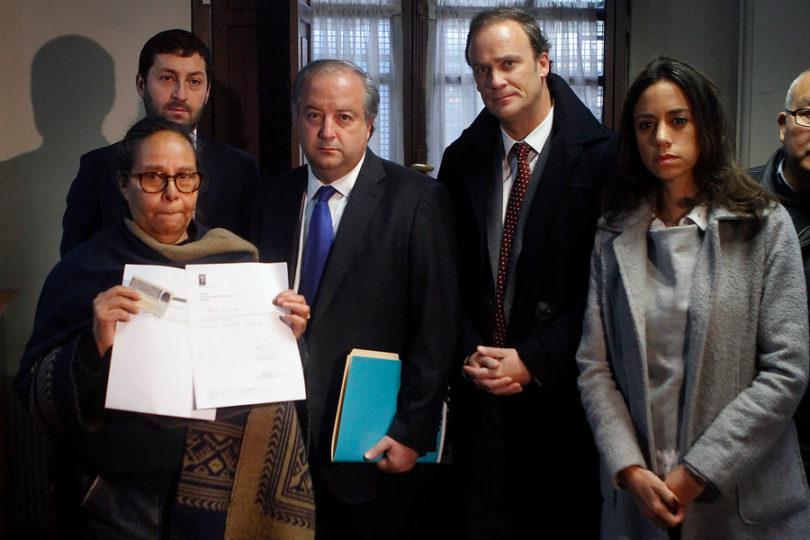 """RN presenta denuncia ante el Servel: """"El Frente Amplio falsificó miles de firmas"""""""