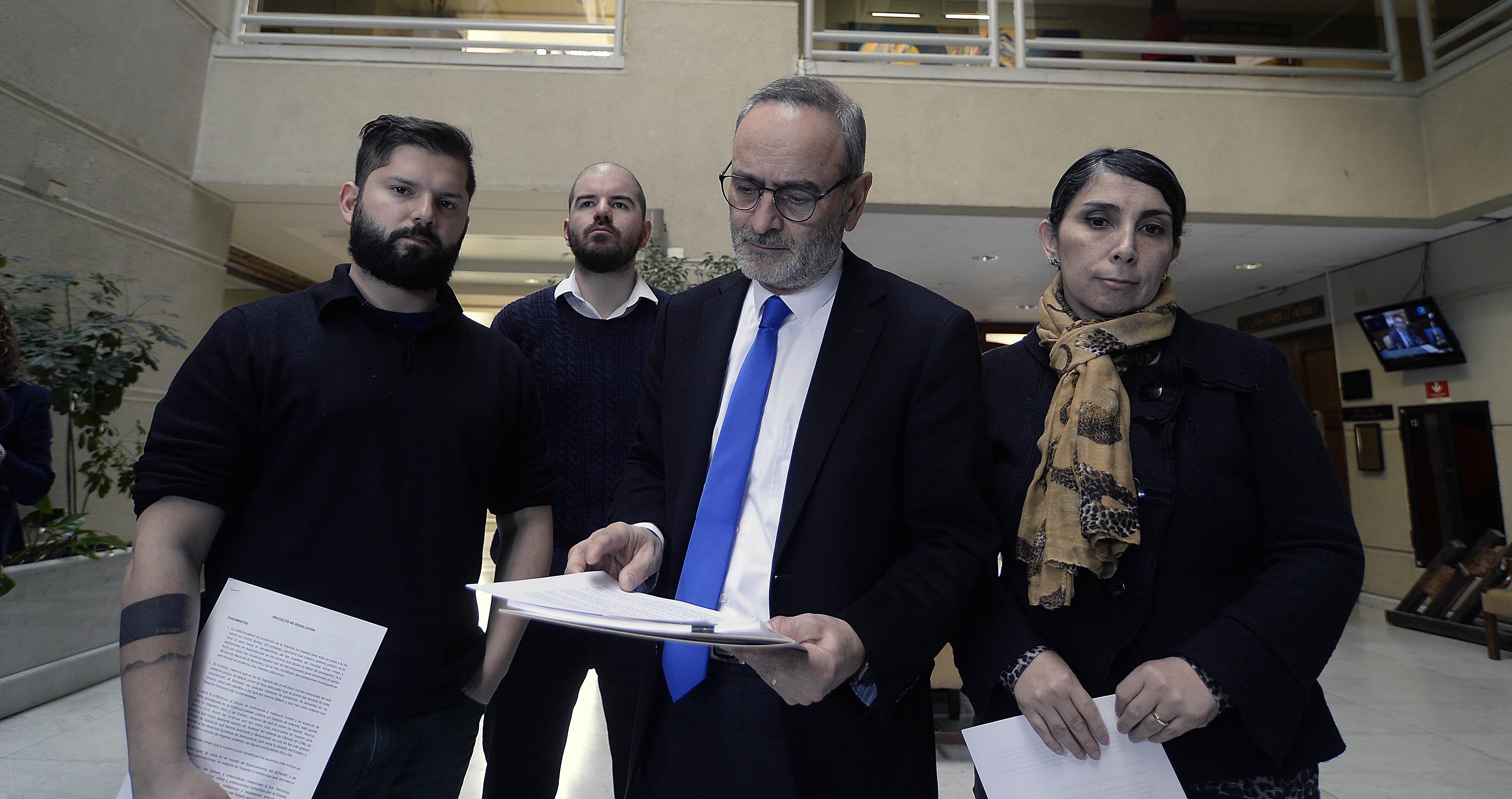 Crisis en Sename: las medidas que propone el informe paralelo de Saffirio, Boric y Jackson