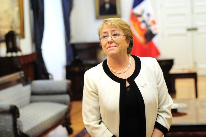 Presidenta Michelle Bachelet presentó denuncia ante la fiscalía por usurpación de nombre