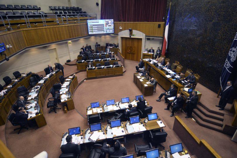 Telefonía VIP: Lagos Weber y Guillier lideran lista de senadores con más líneas pagadas con dineros públicos