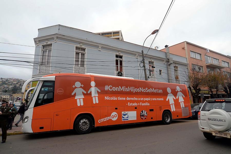 """Evangélicos anuncian paso de """"Bus de la Familia"""" por el sur"""