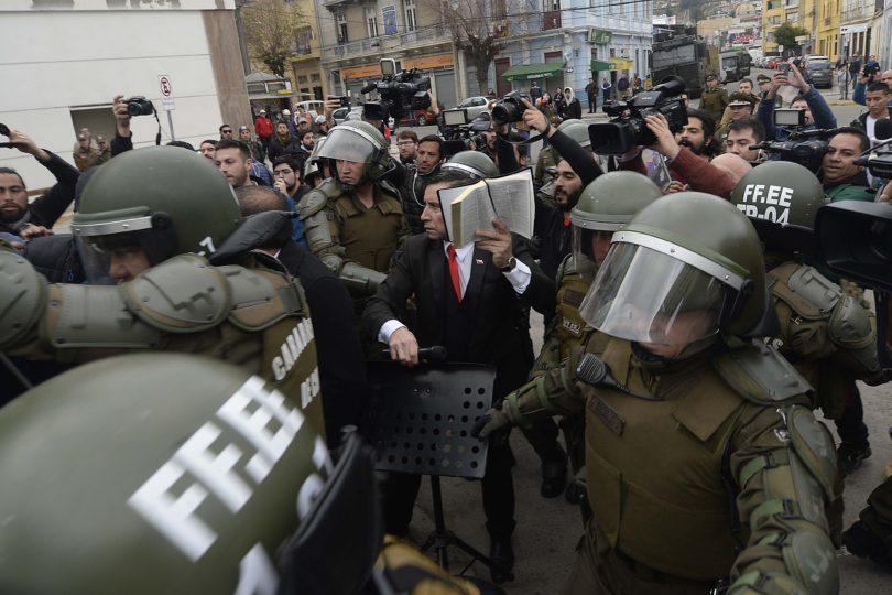 """Pastor Soto fue detenido durante manifestaciones por el """"Bus de la Libertad"""" en Valparaíso"""