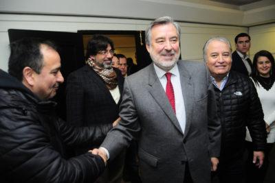 """Guillier recuerda a la Nueva Mayoría que """"sin la DC no ganamos en diciembre"""" y hace guiño a Beatriz Sánchez"""