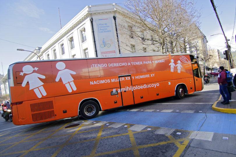 """Réplica del """"Bus de la Libertad"""" circula en Concepción"""
