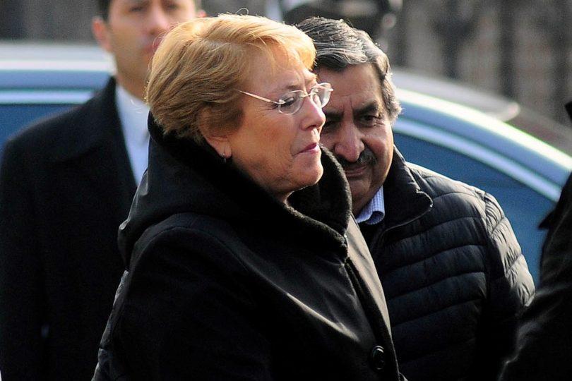 Bachelet dio charla privada sobre servicio público en el Verbo Divino de Chicureo