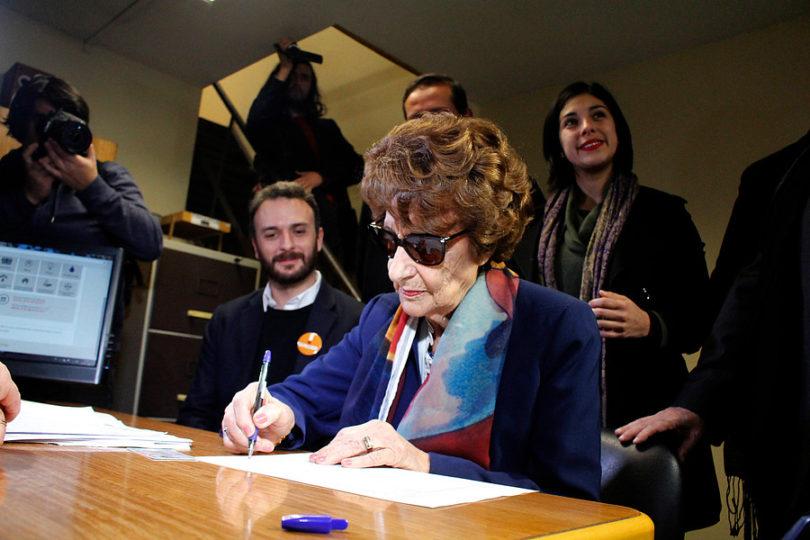 """Alejandro Guillier destaca apoyo de Angela Jeria: """"Honra nuestra candidatura"""""""