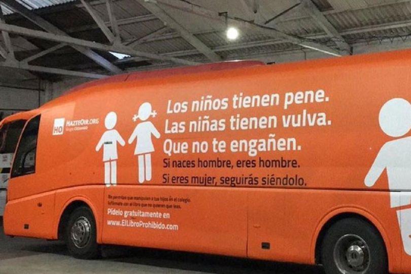 El bus de la transfobia