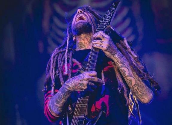 """""""El duro mensaje del guitarrista de Korn tras enterarse de la muerte de Chester Bennington"""""""