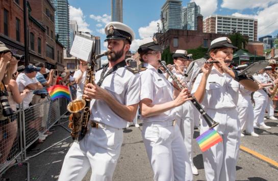 Canadá responde a Trump: invita a transexuales a unirse a su Ejército