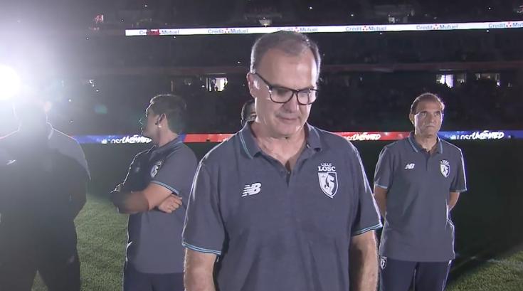 VIDEO |Emotivo y humilde discurso de Bielsa en pleno estadio conmueve a hinchas del Lille