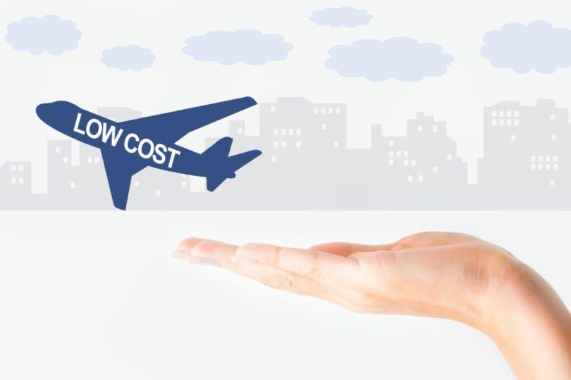 """Precios """"low cost"""": éstas son las dos aerolíneas demandas por el Sernac por publicidad engañosa"""